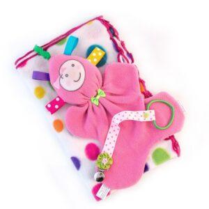 מתנת לידה לתינוקת מארז שמיכת פליס שמנת ועגולים צבעוניים בובת חבוק ומחזיק מוצץ