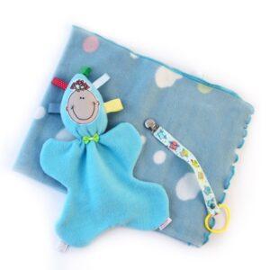 מתנת לידה לתינוק/ת מארז שמיכת פליס תכלת עגולים צבעוניים בובת חבוק ומחזיק מוצץ