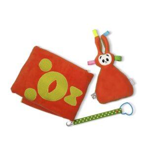 מארז מתנה לתינוק בכתום-ירוק זית - שמיכת פליס עם פרוה בובת חבוק וקושרת מחזיק מוצץ